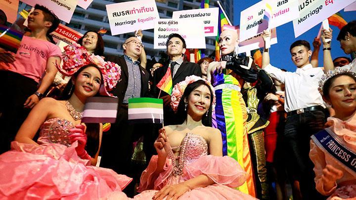Montefiore Menghormati Komunitas LGBTQ untuk Bulan Pride